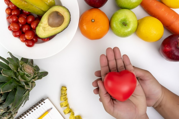 Il diabete controlla la frutta e la verdura fresca. una dieta sana
