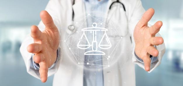 Il dottore che tiene la bolla dell'icona della giustizia e della legge della nuvola con i dati