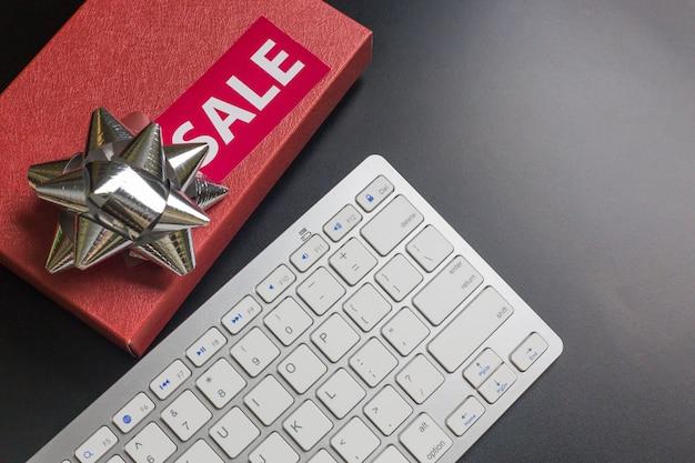 Il fondo cyber di lunedì di vendita di lunedì di concetto piano di disposizione.