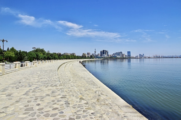 Il lungomare nella città di baku, azerbaigian