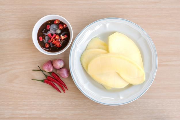 Il mango con salsa di pesce dolce
