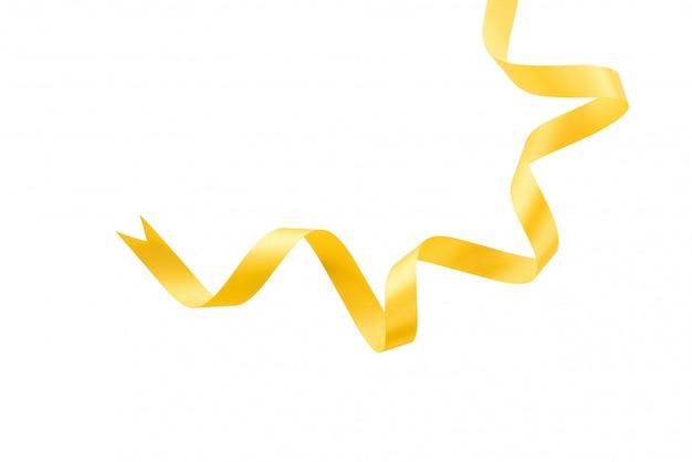 Il nastro festivo ha arricciato il nastro giallo dell'oro arricciato su priorità bassa bianca