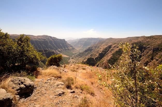 Il parco nazionale della montagna di simien nella stagione secca, parco nazionale della destinazione di viaggio dell'etiopia.