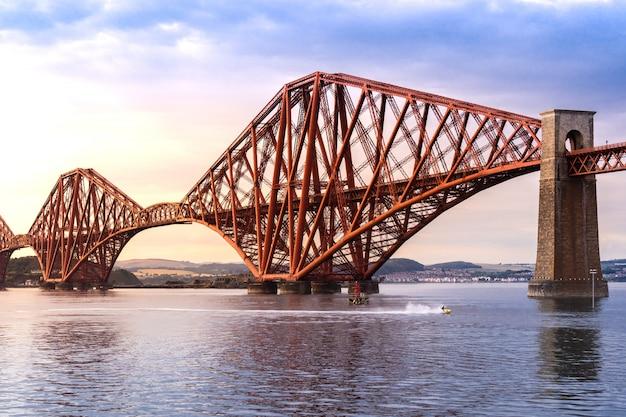 Il ponte forth edimburgo
