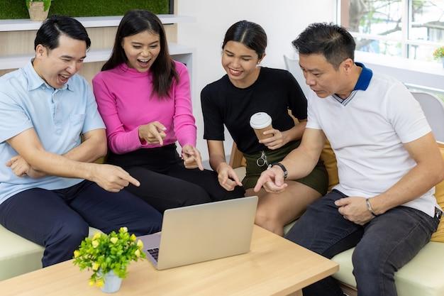 Il team freelance festeggia