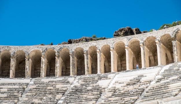 Il teatro di aspendos antica città greca - aspendos anfiteatro antalya turchia