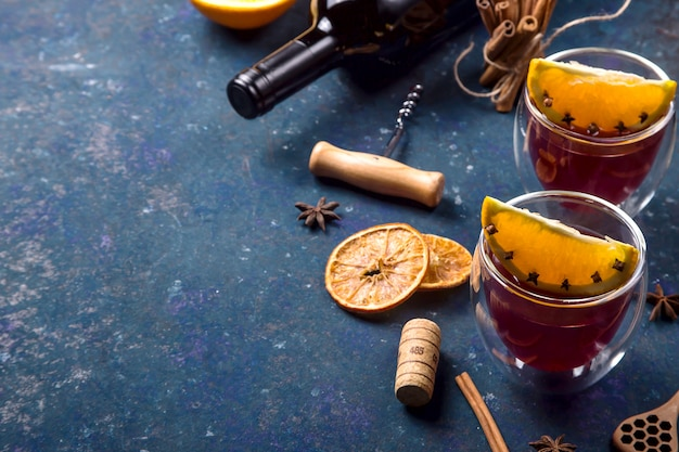 Il tradizionale inverno e il natale bevono vin brulé