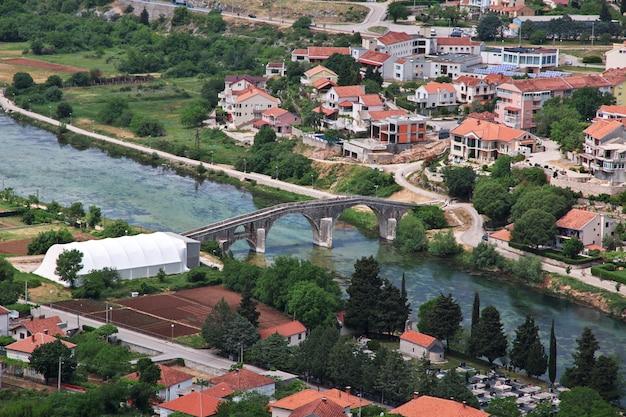 Il vecchio ponte a trebinje, in bosnia ed erzegovina