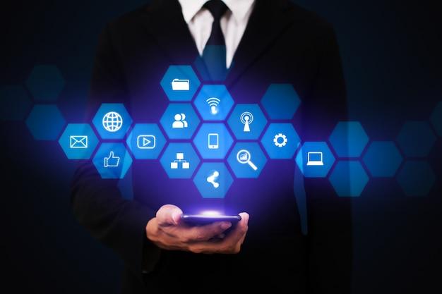 Illustrazione di canali di marketing digitale interattivo