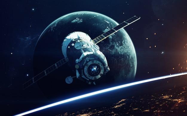 Immaginazione nello spazio profondo, pianeti, stelle e galassie nell'universo infinito