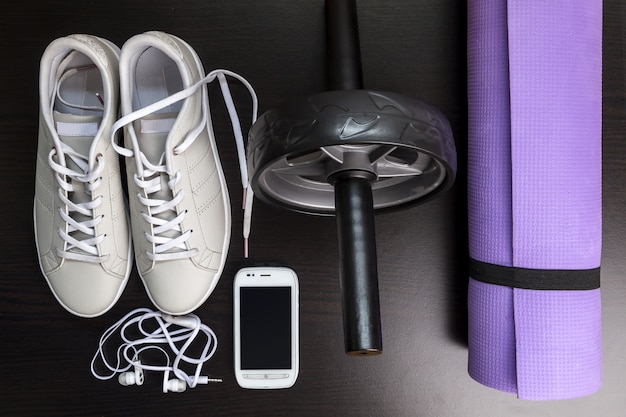 Immagine con scarpe da ginnastica.