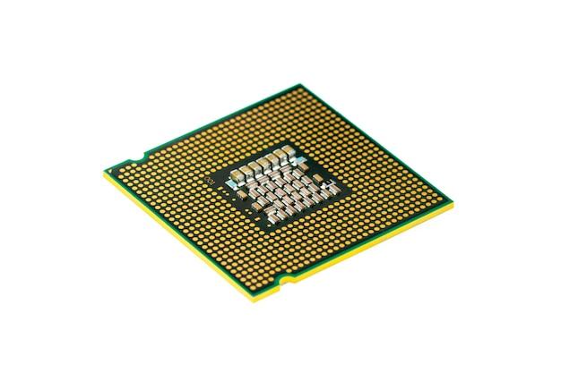 Immagine del chip del processore della cpu su bianco