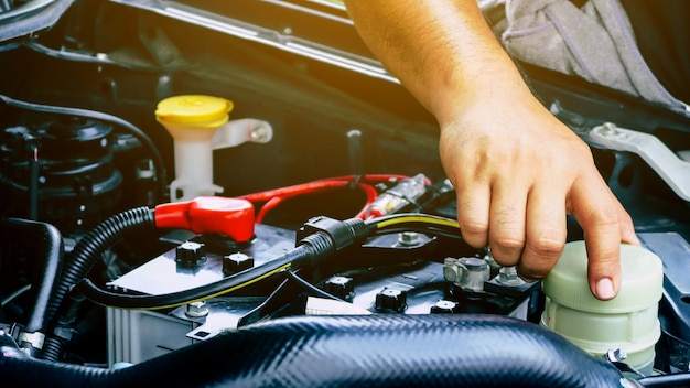 Immagine del concetto di riparazione automatica