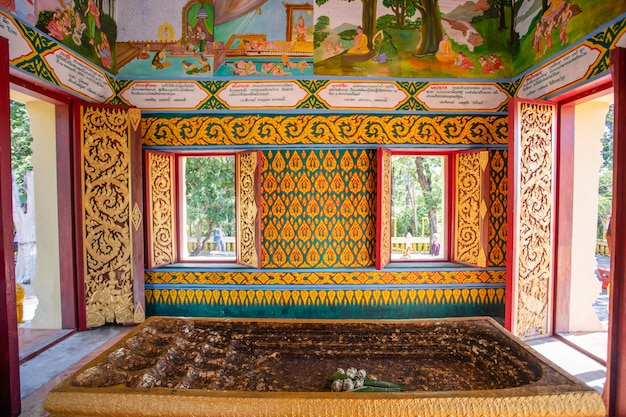 Immagine del piede buddha credi nel tempio
