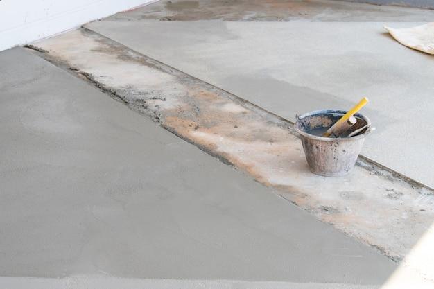 Immagine dell'attrezzatura utilizzata nell'intonaco.