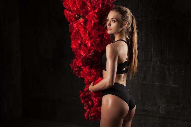 Immagine di muscoloso giovane atleta femminile