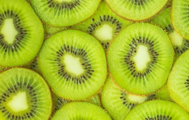 Immagine orizzontale di fette di kiwi in primo piano. concetto di cibo, sfondo. disteso.
