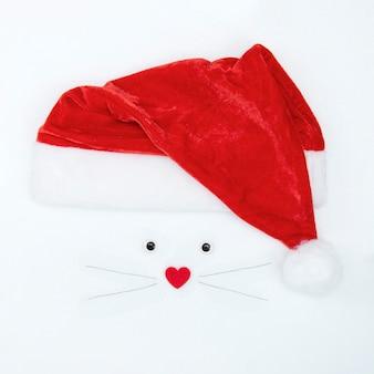 Immagine, ritratto del simbolo del ratto 2020, topo con cappello di babbo natale