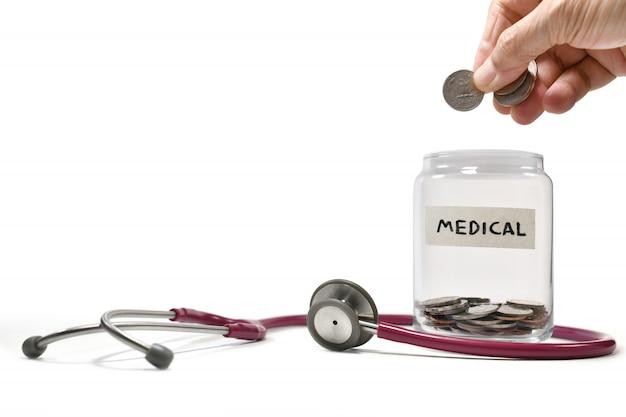 Immagine sul concetto di risparmio di denaro per scopi medici e commerciali, risparmio, crescita, economica