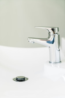 Impianti idraulici rubinetto attrezzature per il bagno del primo piano