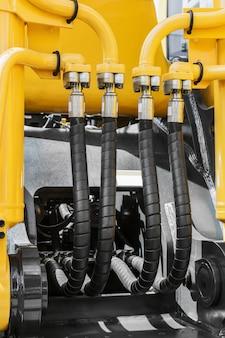 Impianto idraulico e impianto di alimentazione del trattore giallo