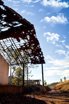 Impianto minerario industriale abbandonato
