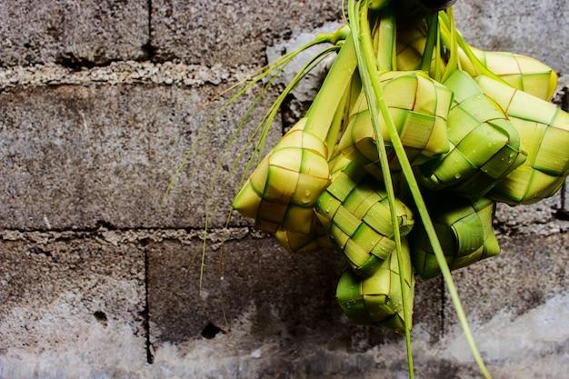 Impiccagione di polpette di riso