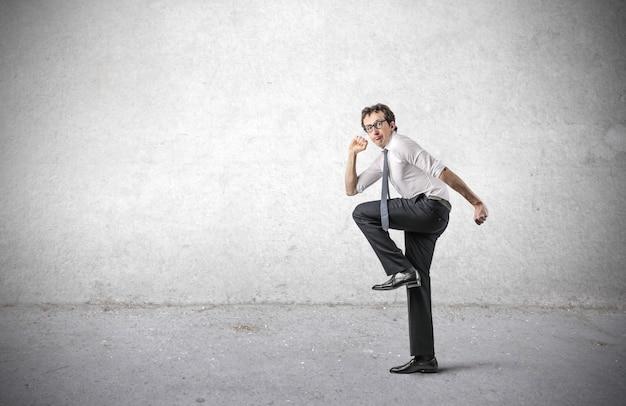 Imprenditore entusiasta pronto a muoversi