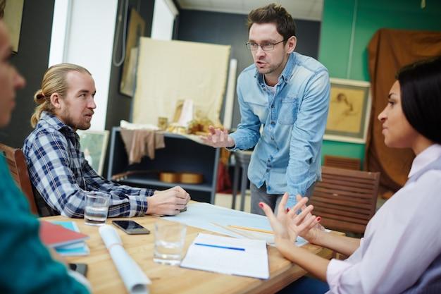 Incontro di giovani designer