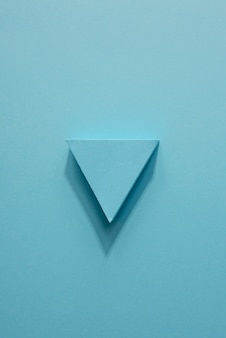 Indicatore di freccia blu piatto disteso