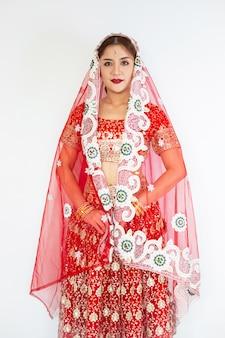 Indù donna modello mehndi e gioielli kundan costume tradizionale indiano