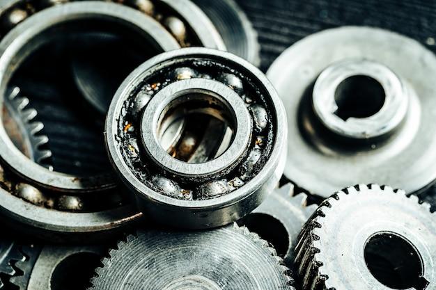 Ingranaggi di una vecchia macchina industriale