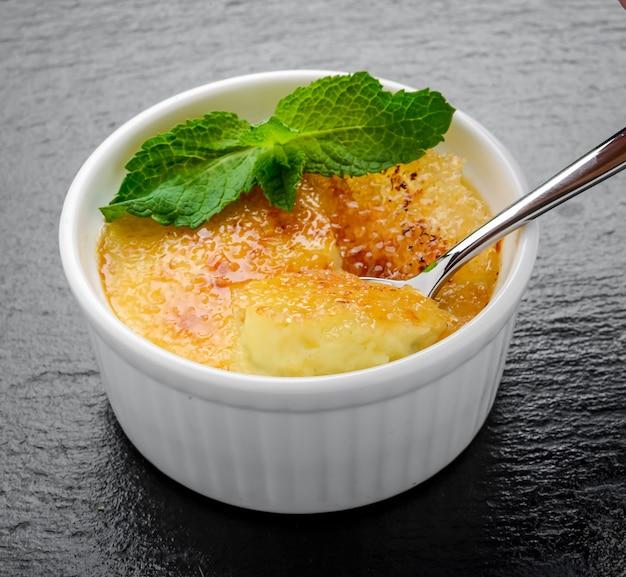 Ingrediente per crème brulée tradizionale