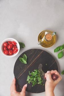 Ingredienti alimentari freschi per la cucina italiana.