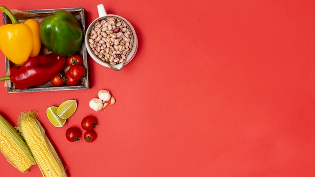 Ingredienti biologici colorati per la cucina messicana