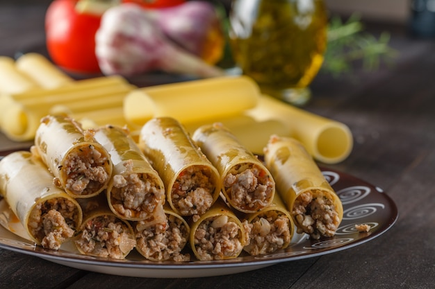 Ingredienti cannelloni italiani