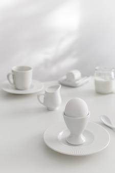 Ingredienti da forno bianchi e regolazione della tabella