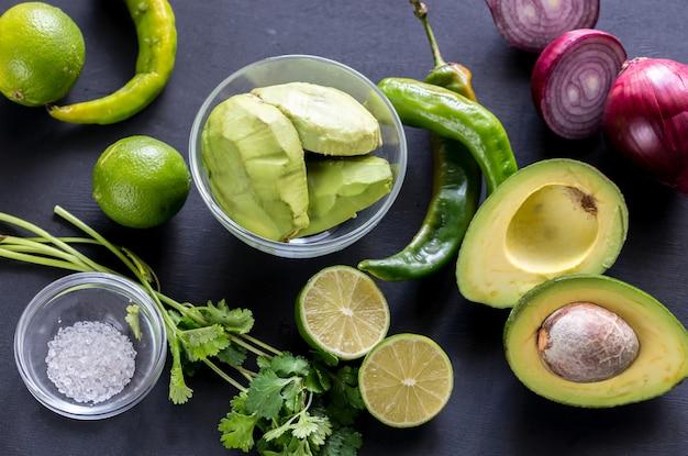 Ingredienti guacamole
