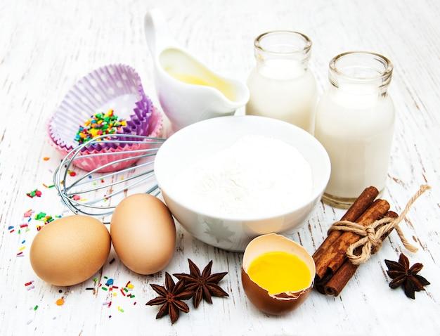 Ingredienti necessari per la cottura di cupcakes
