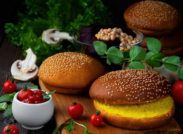 Ingredienti per cucinare hamburger vegetariani