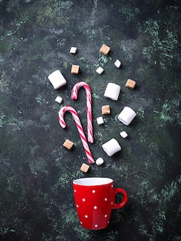 Ingredienti per la cottura di cioccolata calda o bevanda al cacao