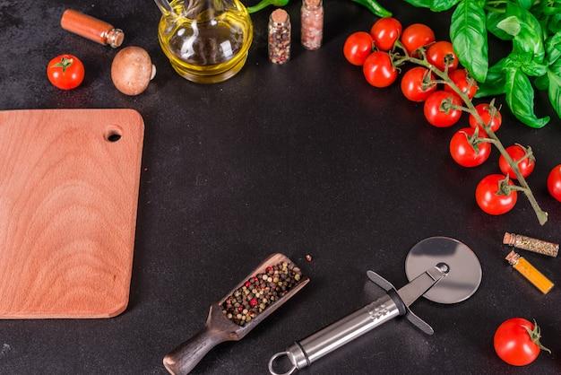 Ingredienti per la preparazione di gustosi sfondo pizza italiana