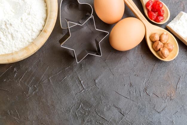Ingredienti per preparare biscotti di natale fatti in casa