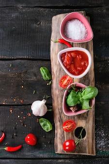 Ingredienti per preparare il ketchup