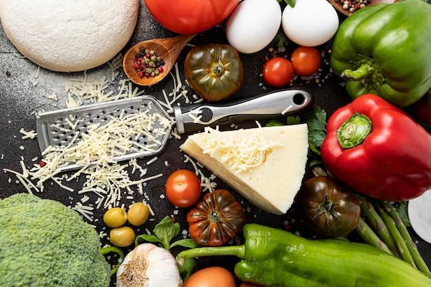 Ingredienti piatti per la pizza