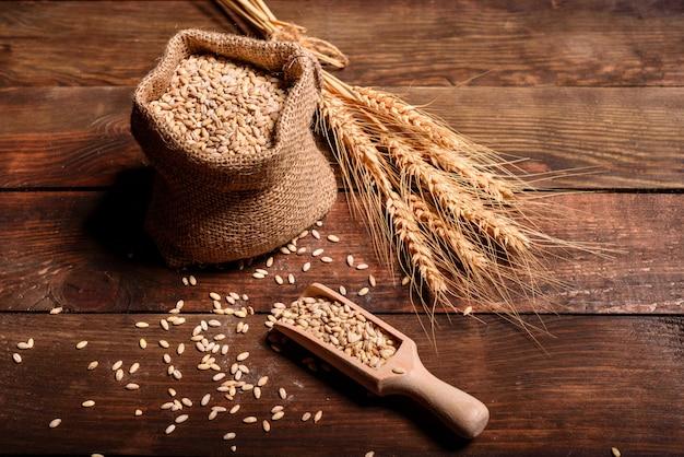 Ingredienti sani per panini e pane