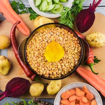 Ingredienti vegetali vista dall'alto