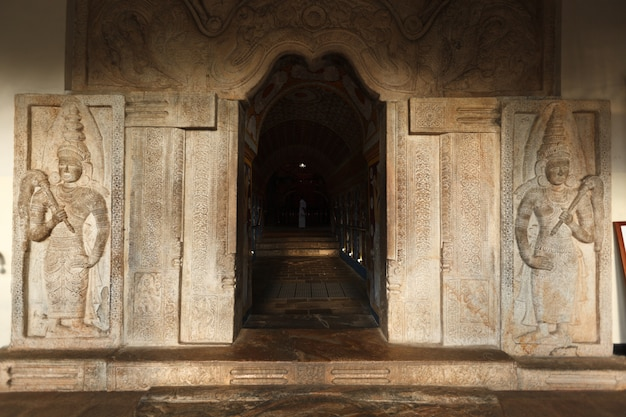 Ingresso del tempio del dente. sri lanka