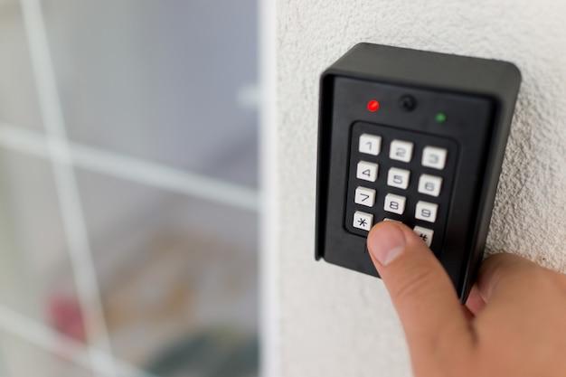 Ingresso password della tastiera di casa intelligente