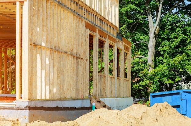 Inquadramento in costruzione casa in legno struttura edile